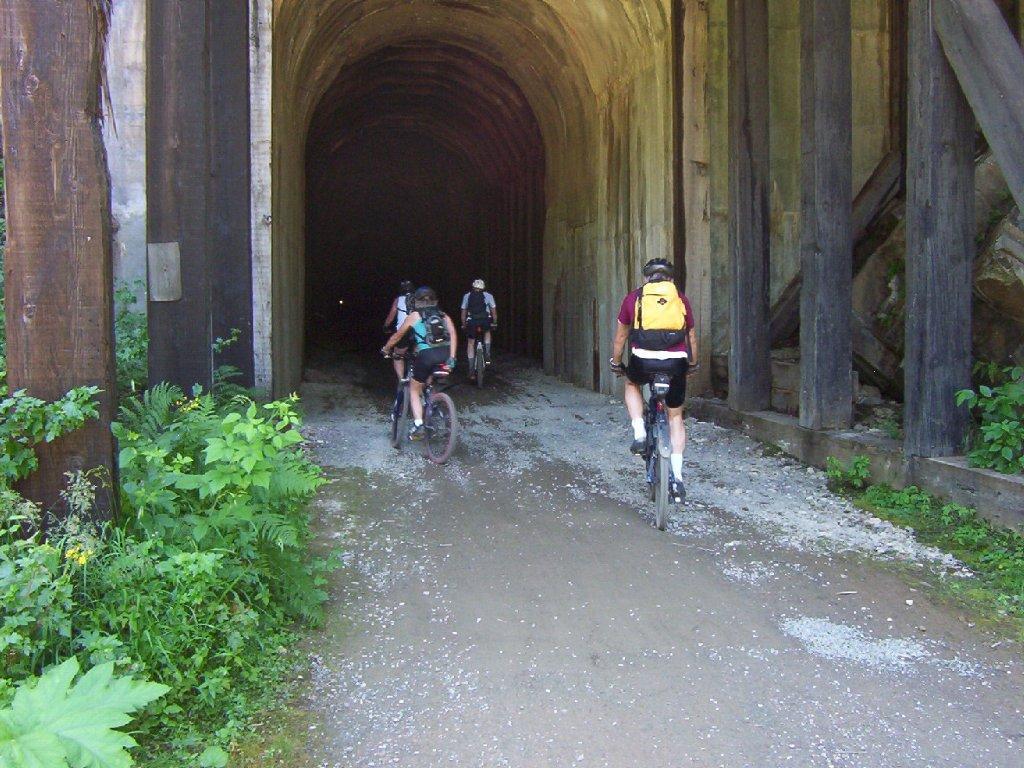 Tunnel 27