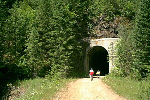 Tunnel 22