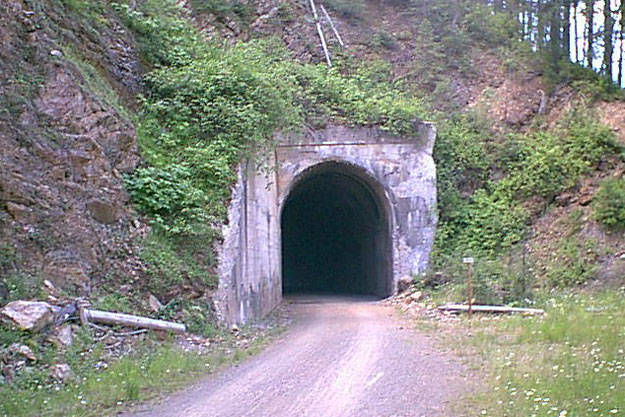 Tunnel 28